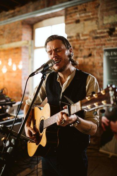 The Act Booker - Glen - Singer/Guitarist - Book & Hire the best live entertainment